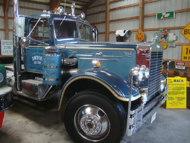 Mack - Classic Mack Truck Collection 4960ce94d58